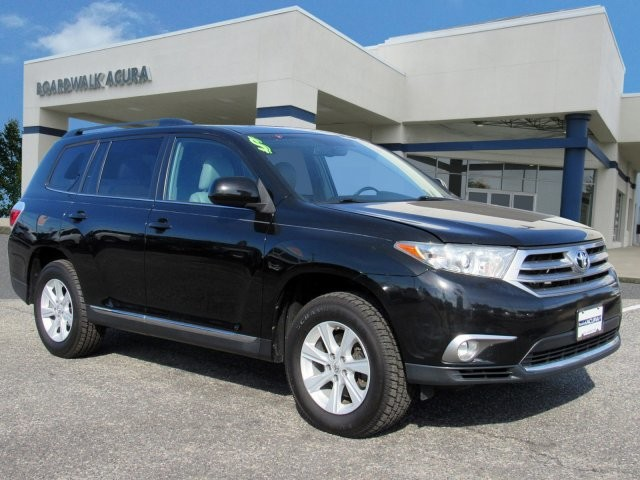 Pre-Owned 2013 Toyota Highlander SUV